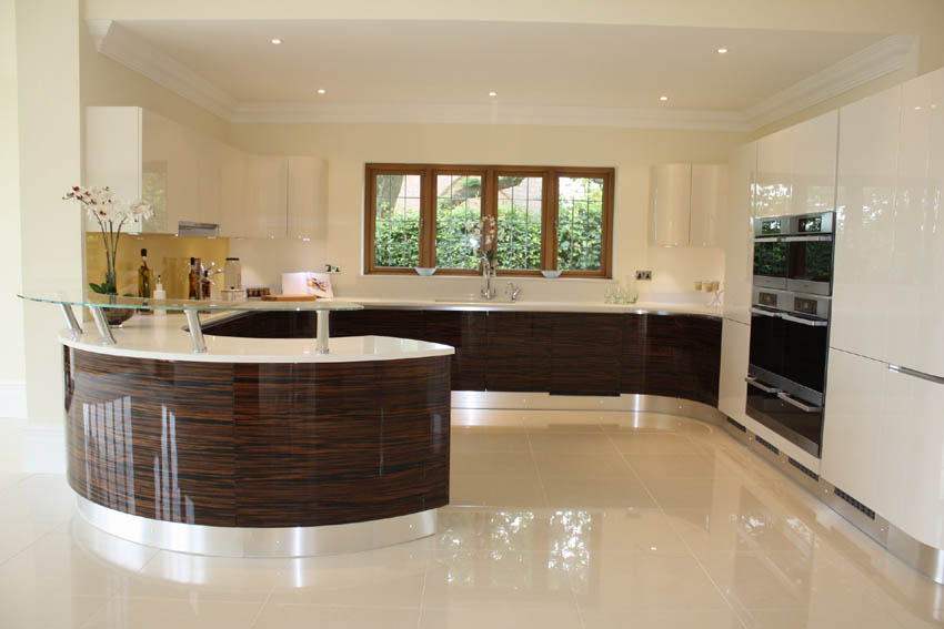High gloss kitchen gloss kitchens cork high gloss kitchens for Kitchen designs cork